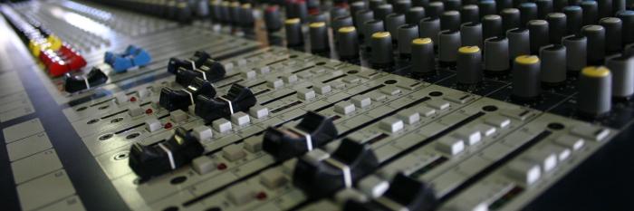 mackie mixer keine effekte auf kopfhörer